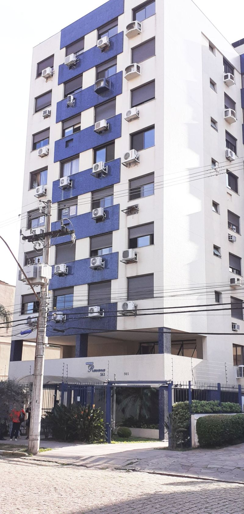 3 dorms. c/Box Duplo no Santa Cecilia